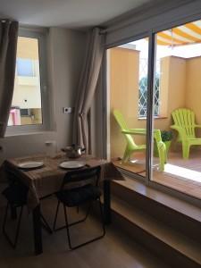 sitges-studio-mesa-comedor