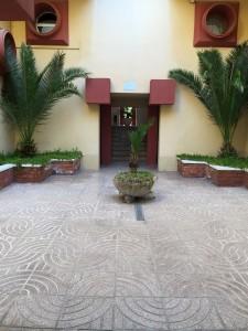 sitges-studio-patio-edificio